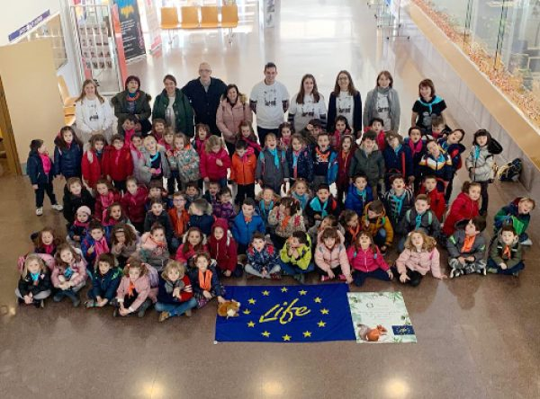 Students from 3rd grade of Infant from the School Miguel Delibes learn about the European project LIFE-REPOLYUSE